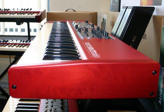 Nord Electro 6D 61 met halfmoon switch - Studio De Dijk