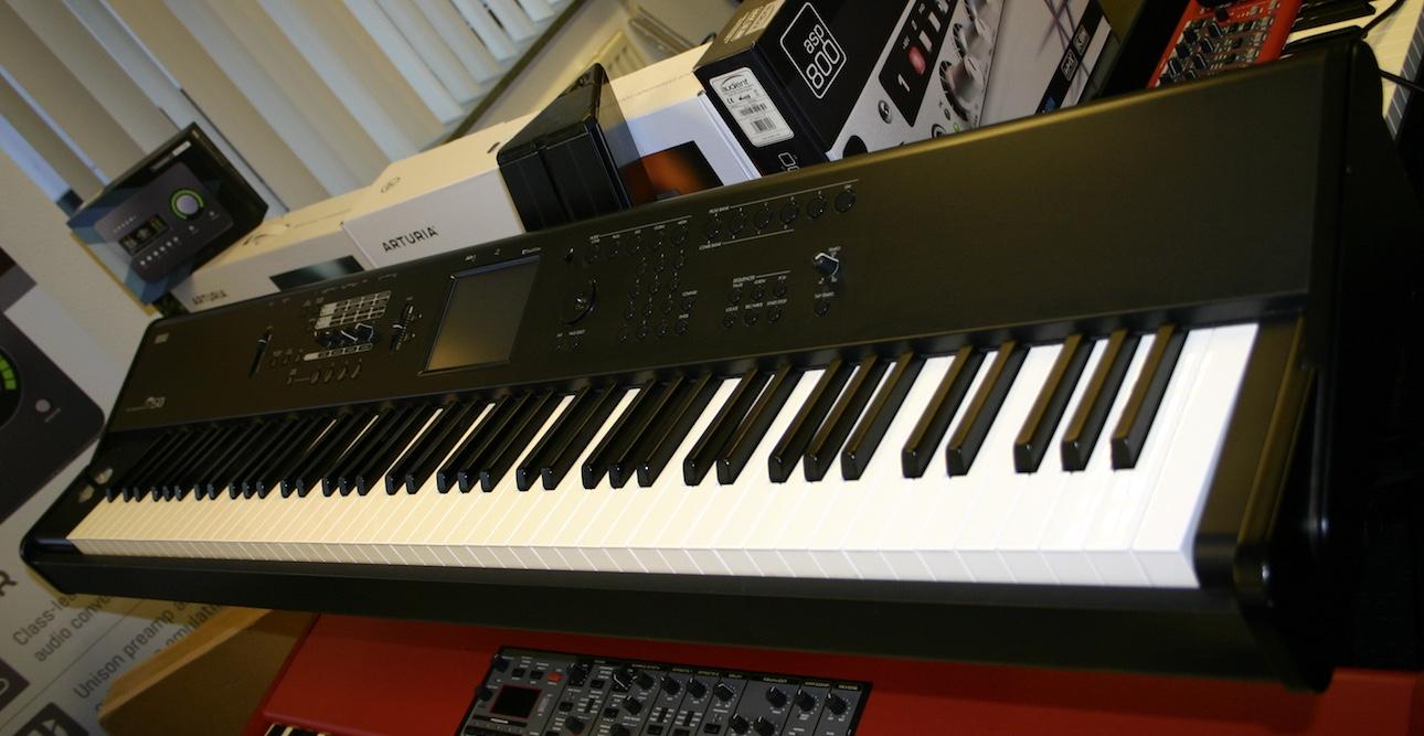 Korg M50 music workstation 88 key